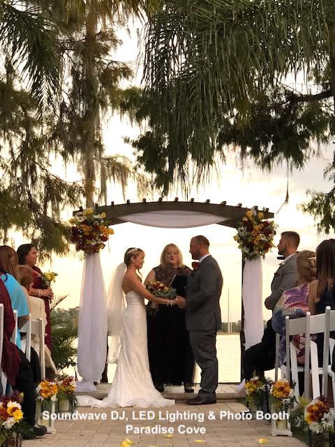 paradise cove - orlando wedding venue - orlando wedding dj - orlando wedding lighting - soundwave entertainment