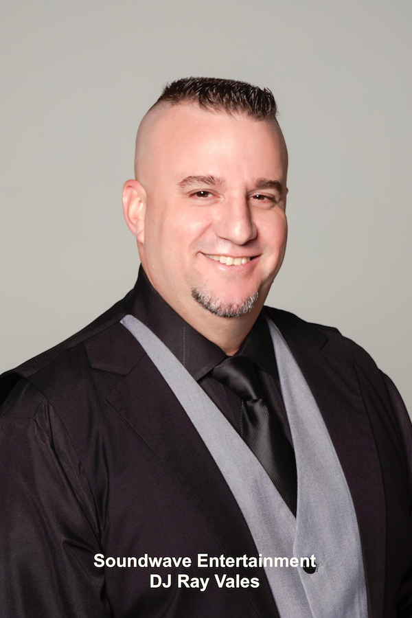 dj ray vales - latin dj ray - orlando latin wedding dj - soundwave latin dj