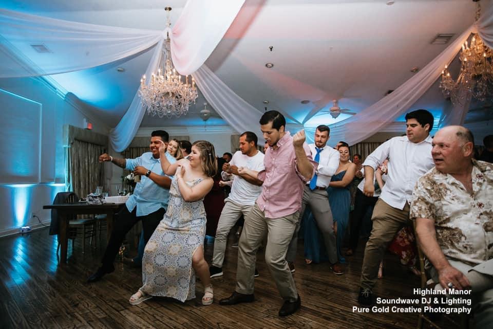 Dancing Soundwave