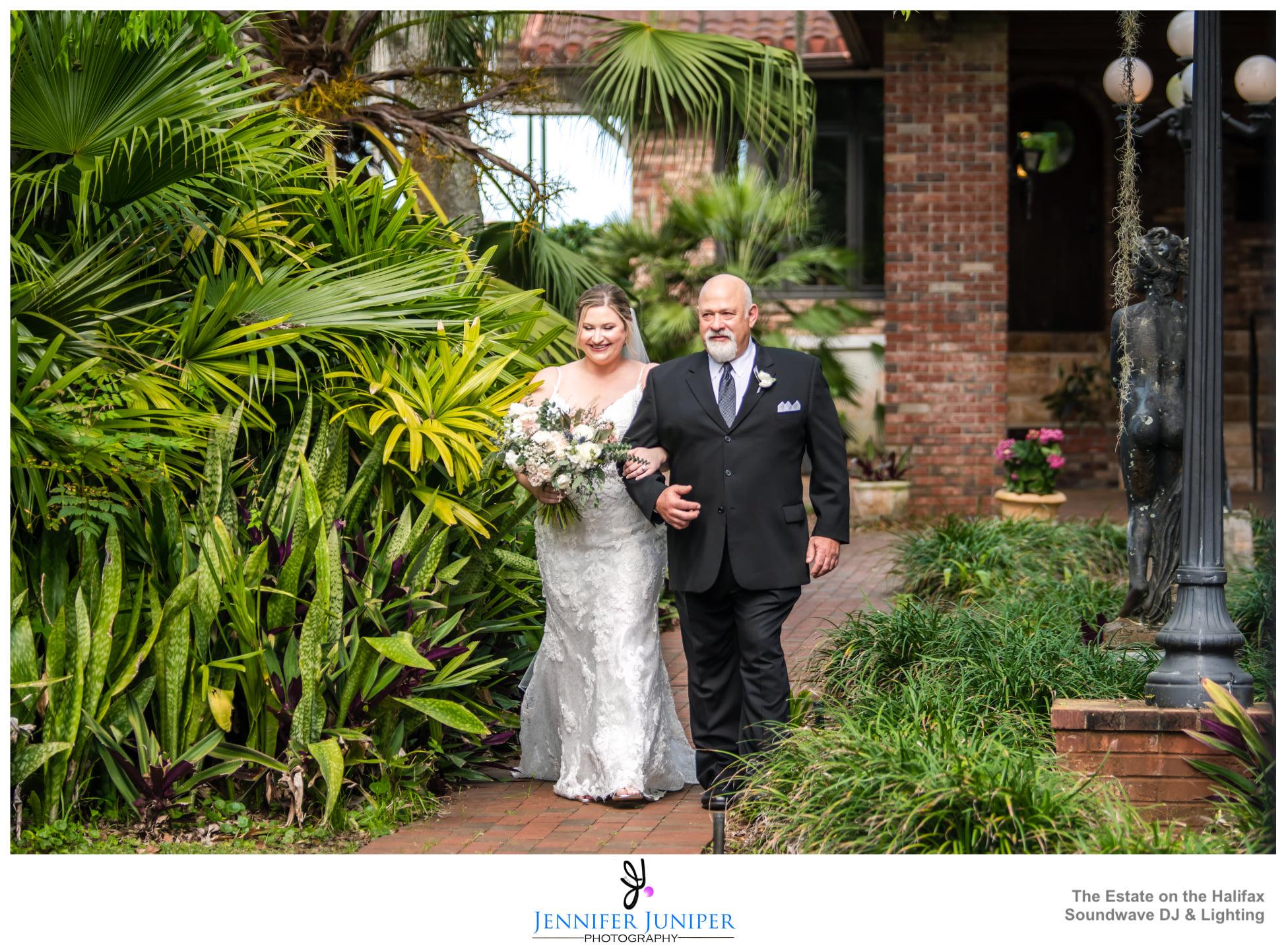 Ceremony Bride Dad